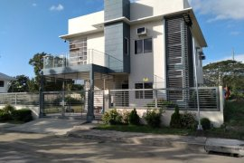 4 Bedroom House for sale in Pulo, Laguna