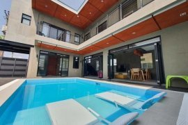 5 Bedroom Villa for sale in Maribago, Cebu