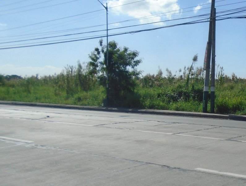 1.5 hectares commercial lot in malolos city along mcarthur highway