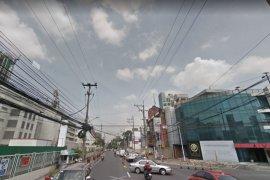 Office for rent in Bel-Air, Metro Manila near MRT-3 Buendia