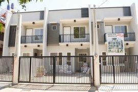 5 bedroom townhouse for sale near LRT-1 Baclaran