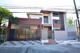 6 Bedroom House for sale in BF Resort, Metro Manila near LRT-1 Baclaran