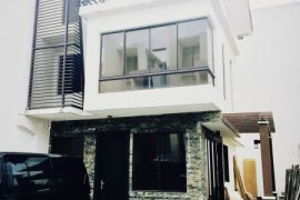 4 bedroom house for sale in Mahogany Place 3
