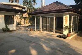 5 Bedroom House for rent in New Manila, Metro Manila