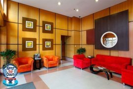 Condo for sale in One Gateway Place