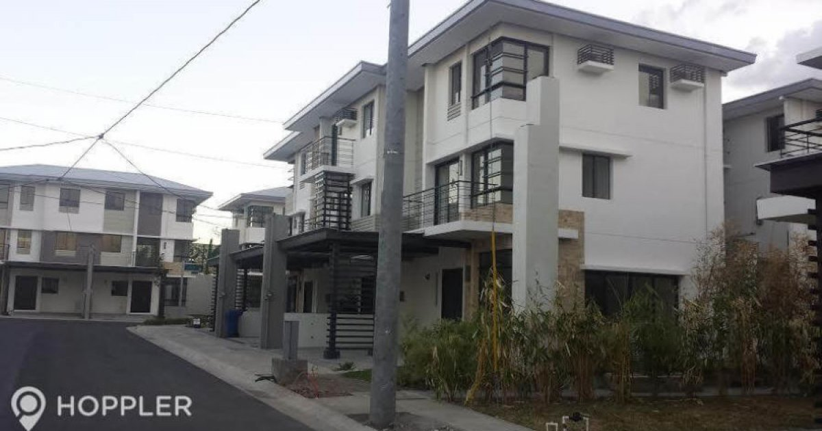 4 bed townhouse for rent in pasong tamo quezon city 40 000 2260871 dot property. Black Bedroom Furniture Sets. Home Design Ideas