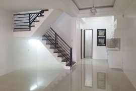 5 Bedroom House for rent in Moonwalk, Metro Manila