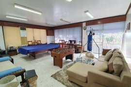6 Bedroom House for rent in Magallanes, Metro Manila