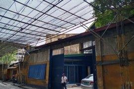 Warehouse / Factory for sale in Caloocan, Metro Manila near LRT-1 Monumento