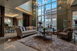 7 Bedroom Townhouse for sale in New Manila, Metro Manila