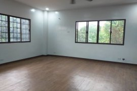 5 Bedroom House for rent in Talon Kuatro, Metro Manila