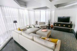 3 Bedroom Condo for sale in Bangkal, Metro Manila