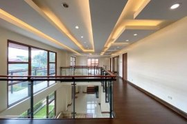 6 Bedroom House for Sale or Rent in Baclaran, Metro Manila