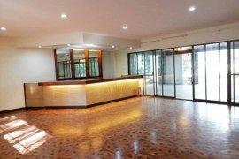 4 Bedroom House for rent in Urdaneta, Metro Manila
