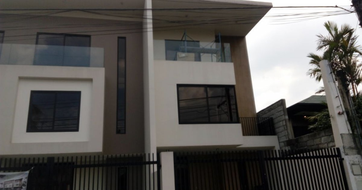 5 Bed Townhouse For Sale In Fairview Quezon City 6 500 000 1904061 Dot Property