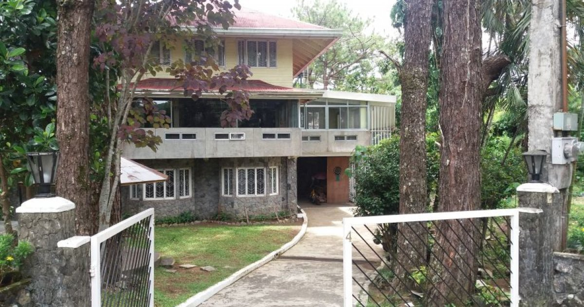 6 bed house for sale in lucnab baguio 14 500 000 for Six bedroom house for sale
