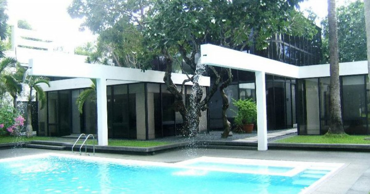 8 bed house for sale in makati metro manila 300 000 000 for 8 bedroom house for sale