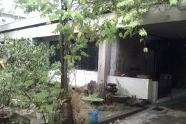 3 bedroom house for sale in Nayong Kanluran, Quezon City