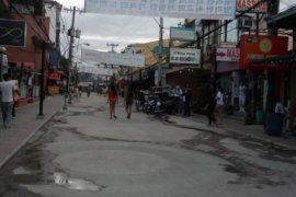 Retail space for sale in Angeles, Alabat