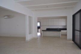 5 bedroom house for rent in Urdaneta, Makati