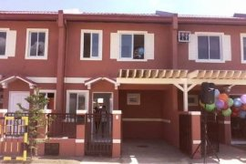 3 bedroom townhouse for sale in Ellisande