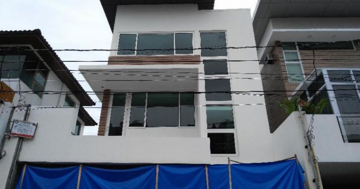 4 bed house for sale in taguig manila 22 000 000 for 9 bedroom house for sale