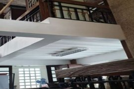 6 Bedroom Townhouse for sale in South Triangle, Metro Manila near MRT-3 Quezon Avenue