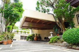 6 Bedroom House for sale in Alabang, Metro Manila