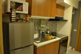 2 bedroom condo for rent in 8 ADRIATICO