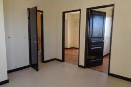 2 bedroom condo for sale in LAKEVIEW MANORS