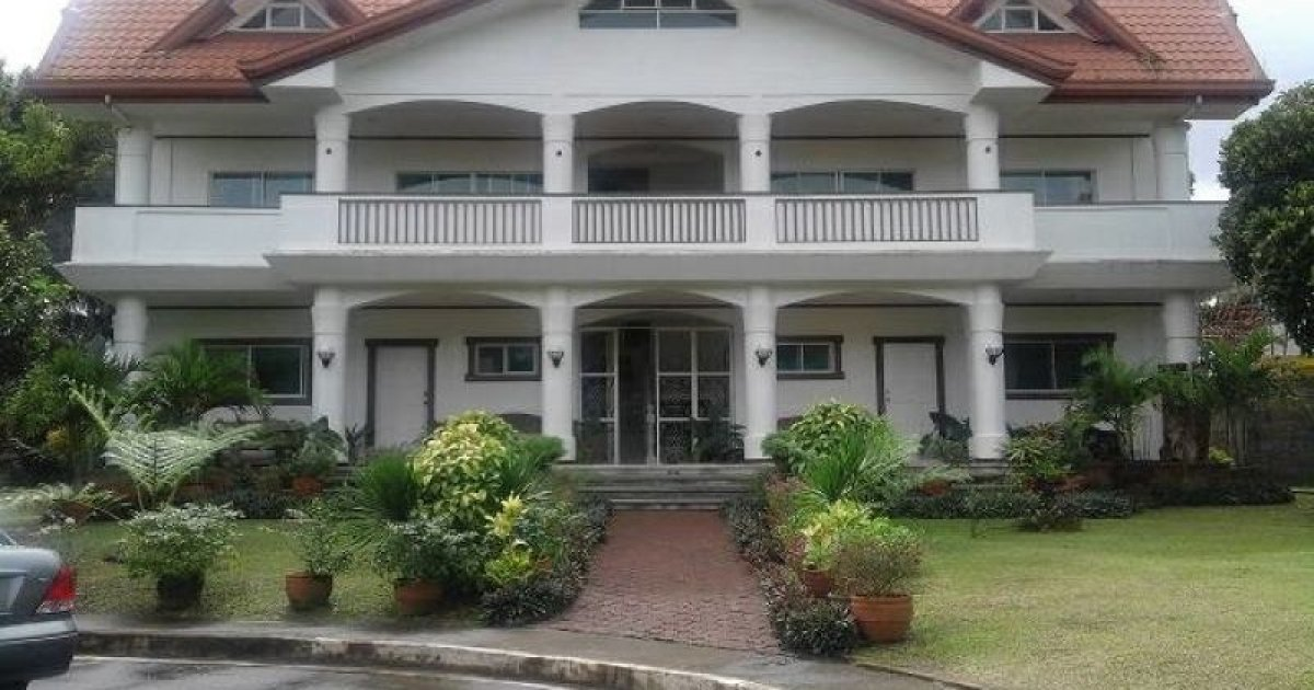 16 bed house for sale in silang cavite php32000000 for Home furniture for sale in cavite