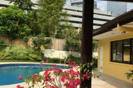 4 bedroom house for rent in Urdaneta Village