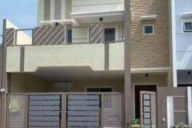 4 Bedroom Apartment for sale in Talon Dos, Metro Manila