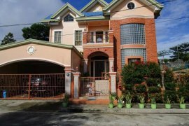 6 bedroom townhouse for sale in Cavite