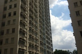 2 bedroom condo for rent near LRT-1 Central Terminal
