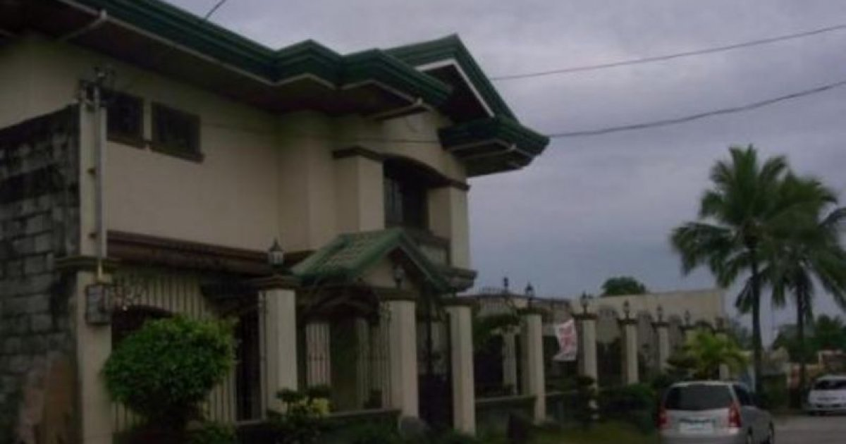 6 bed house for sale in angeles pampanga 9 000 000 for Six bedroom house for sale