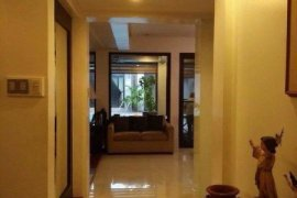 9 bedroom townhouse for sale in Dasmariñas Village