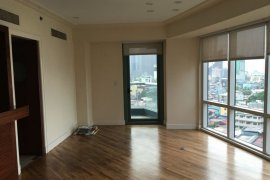 2 bedroom condo for sale in Amorsolo Square at Rockwell