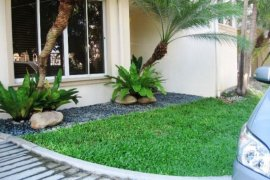 4 bedroom townhouse for rent in Banilad, Cebu City