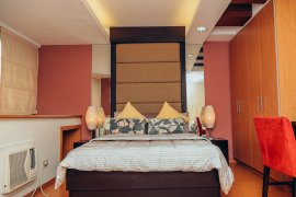 2 bedroom condo for sale in Lee Gardens