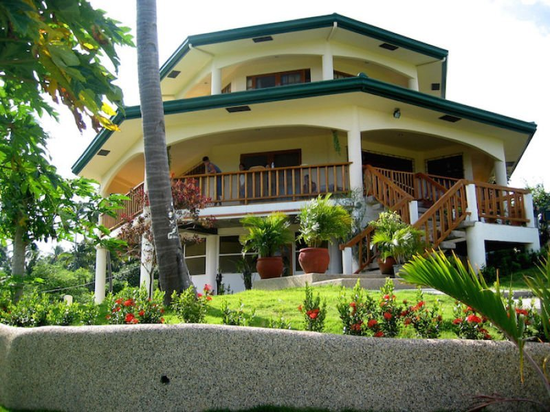 3 level house for sale in puerto galera, oriental mindoro