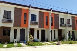 Townhouse for sale in Calawisan, Cebu