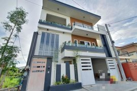 7 Bedroom House for sale in Pinagbuhatan, Metro Manila