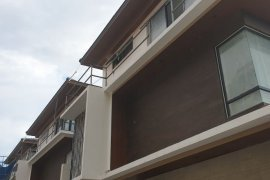 5 Bedroom House for sale in Mariana, Metro Manila near LRT-2 Gilmore