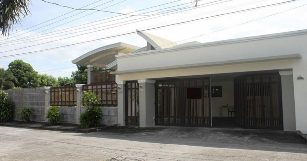 4 bed house for sale in angeles pampanga 13 800 000 for Four bed houses for sale