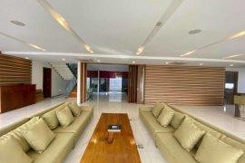 9 Bedroom House for sale in Don Bosco, Metro Manila