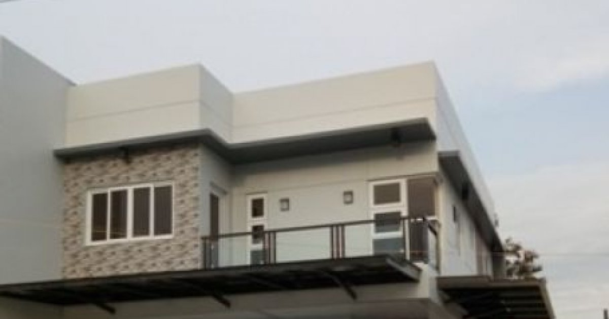 bedroom house for sale near lrt 1