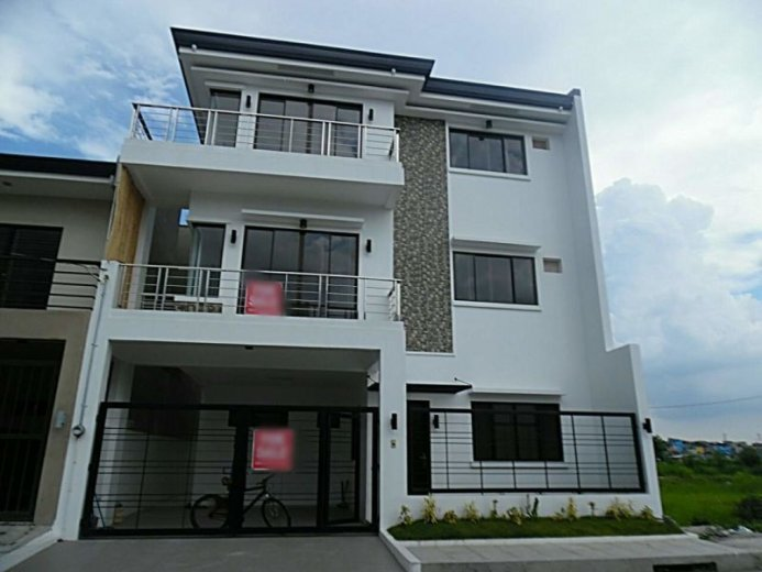 8 Bedroom House For Sale In Greenwoods Executive Village