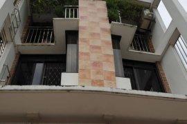 6 Bedroom Townhouse for sale in Roxas, Metro Manila