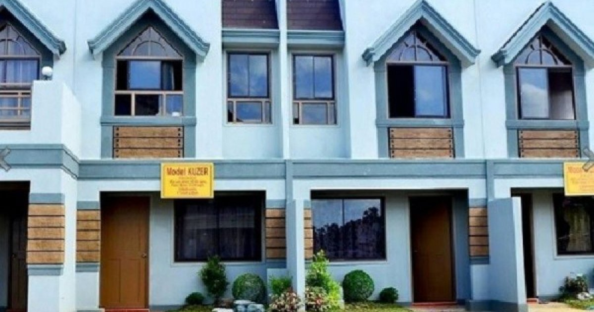 3 Bed Townhouse For Sale In Kaligayahan Quezon City 3 250 000 1798095 Dot Property